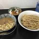 69902166 - 煮干しつけ麺 800円