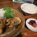 RA-MEN 赤影 - +唐揚げ定食 ¥420(税込)