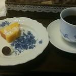 Kuromimirapan - デザートとコーヒー