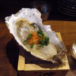 魚屋 うきうきらんらん 三鷹 - 生牡蠣¥480