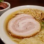 Yo-shoku OKADA - アジ煮干しのコンソメ中華そば 旨味潮 大盛…900円