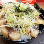 朝市さかば - 2017年6月 焼サバ丼【700円】ちっちゃいサバでした~(´▽`)