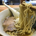 煮干しそば 暁 - 麺リフトアップ