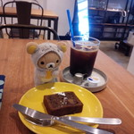 カメラ - ほうじ茶のパウンドケーキ&アイスコーヒー