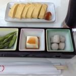 上七軒ビアガーデン - 最初セットの2000円(の付出し3品+飲み物) と、出し巻き卵(¥1000この風味で?)