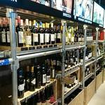 TOKUOKA WINE&GOURMET GALLERY GINZA - ワインの販売コーナー