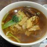 上海朱峰 - 豚の角煮ラーメン