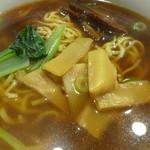 上海朱峰 - 豚の角煮ラーメンアップ