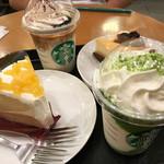 スターバックス・コーヒー - 料理写真:チョコレートケーキトップフラペチーノwithコーヒーショット/抹茶ショット、パイナップルのシフォンケーキ、ブルーベリーレアチーズタルト、チーズケーキ