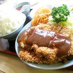 勝山協食 - トンカツ定食 おかず・ご飯大盛り 900円