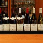 レストラン マノワ - マノワの自社輸入のワイン