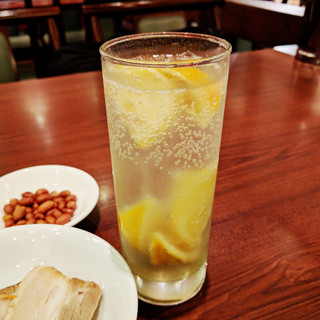 大三島オーガニックレモン使用の凍結サワー、ハイボール、ソーダ