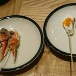 サケトサカナ - カニ味噌、鯛の松笠焼き