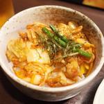 しんと - Aセット(850円)のブタキムチ焼小丼