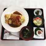 松月食堂 - オムライス (味噌汁 サラダ)