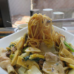 69944083 - 豚肉と高菜のあんかけヤキソバ ※今週の麺 麺大盛り無料