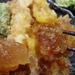 69945460 - ガッツリ氷の丼つゆ