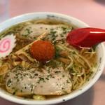 龍上海 - 料理写真:赤湯ラーメン(しょうゆ)辛味噌トッピング♡
