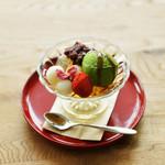 喫茶と食事 みどり - 料理写真:手作り白玉クリームあんみつ