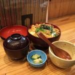 銀の里 - 料理写真:かつ丼(880円)