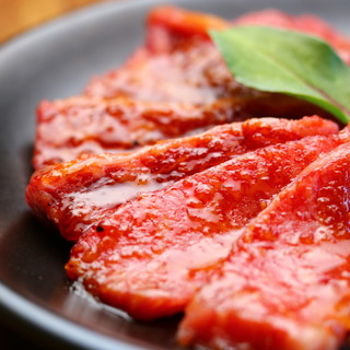 和牛の本格焼肉をリーズナブルに!タレや塩も徹底的にこだわり!