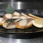 69949865 - 鯖のスモーク@420円                       スモークの香りと鯖の旨味が抜群