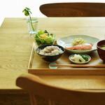 喫茶と食事 みどり - 季節の和定食