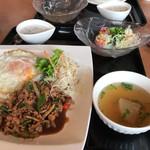 タイ料理ピン・タイ