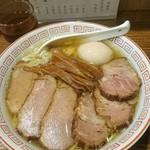 中華そば さとう - 中華そば(大)750円+味玉100円+焼豚200円