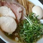 麺's ナチュラル - 鮪(チャーシュー+メンマ+卵)