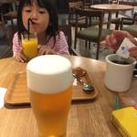 コーヒーラウンジ ホテル日航成田 - ウェルカムドリンクはエビスとブレンドコーヒーとオレンジジュース(^∇^)