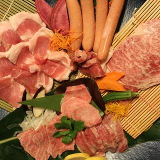 希少価値の高い良質なお肉をリーズナブルに楽しむなら、セットがおすすめ♪