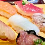 魚がし日本一 - 特盛にぎり