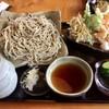 蕎麦遊 いしかわ - 料理写真:粗挽十割そば大盛り1200円 天ぷら盛り合わせ500円