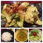 Torinotetsu - メインは焼鳥のタレを利用した甘辛味、             バランス良くで美味しいです。