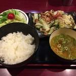 Torinotetsu - せせり野菜炒め定食 680円