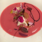 69972601 - ビーツと苺のスープ