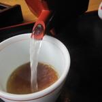 そば坊 - サッパりと透明な「そば湯」