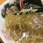 ラーメン さくら - 鹿野豚ラーメン 麺リフト〜(*^▽^*)