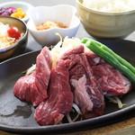 松本ゴールデンバーグ - 牛ハラミステーキ