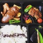 松本ゴールデンバーグ - お弁当もボリューム満点
