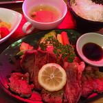 いなか屋 - 箸で食べるステーキセット〜(*^▽^*)