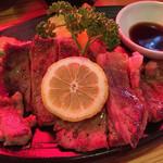 いなか屋 - 箸で食べるステーキセットのステーキ〜(*^▽^*) 国産です!