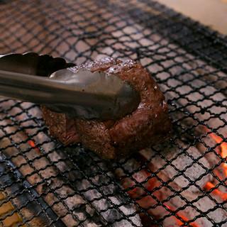 *備長炭にて厳選素材を豪快に焼き上げます♫ぜひご賞味下さい*