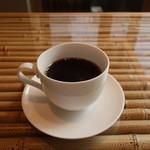 和とBar 月の小路 - ランチサービスのホットコーヒー