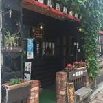 信州小麦ラーメン 亀屋  - 喫茶店?とも思しき外観