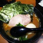 麺家 黒 - 半熟味玉ラーメン 並  ¥750