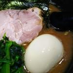 麺家 黒 - ズームインd=(^o^) CPSと比べると正に黒って感じの色ですね!