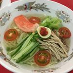 ぶたまん - 堂々たる風格の涼麺
