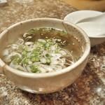 焼肉 金牛 - もずくスープ